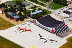 Luftaufnahme Terminal und Vorfeld 1